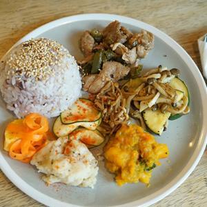入谷カフェ:Cafe Fluorite|腸美活プレートで腸内改善!