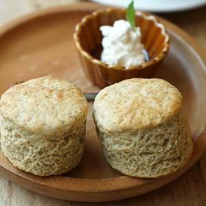 新小岩カフェ:cafeマチノ木 全粒粉のスコーン(アールグレイ)のデザートセット