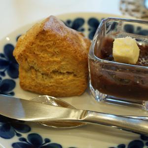 大井町カフェ:FLORA COFFEE あんこバター+粗塩が名脇役!全粒粉スコーンとアメリカーノ