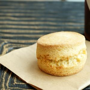曳舟カフェ:Monkey pod coffee&cake バターミルクスコーン、アイスアメリカー