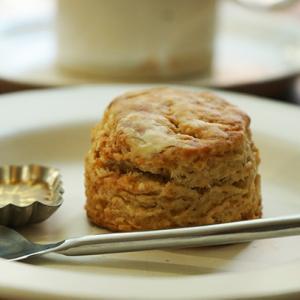 池袋カフェ:CAFE TERVE!|出会えたらラッキー♪自家製レーズン酵母のスコーン