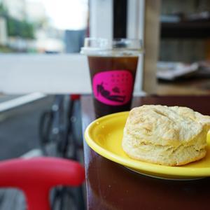 原宿:なんすかぱんすか|バターミルクビスケット&アイスコーヒー