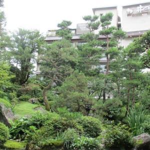 湯村温泉と扇ケ山(おうぎがせん)