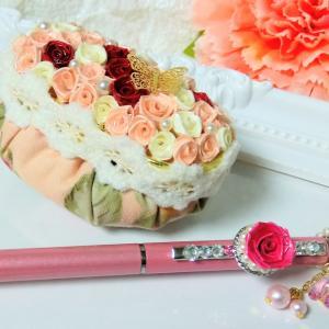 紙で作るばらのロザフィのオプション、シャイニーパールペンとペーパーウェイトのウェイト♡