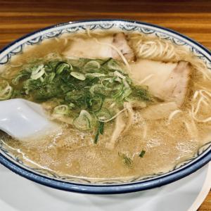 福岡市大名 豚骨ラーメンの元祖 赤のれんでラーメン定食