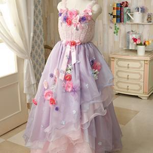 新作ドレスです