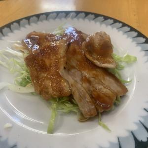 『ちっちゃなレストラン』の肉と魚の日替わりランチ。