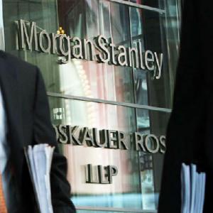 アメリカ金融大手のモルガン・スタンレーが1,500人のリストラを計画