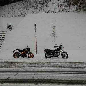 ミトン付きグローブは真冬のバイクに有効か?