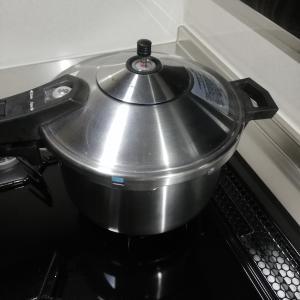 圧力鍋で金時豆を煮ました