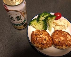 鶏ひき肉の豆腐ハンバーグで晩酌