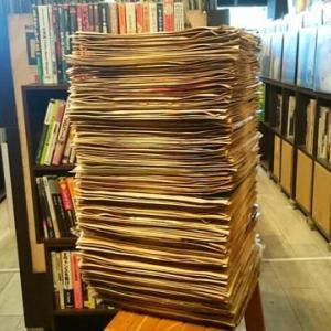 ◆本日アサイチでほぼ美品のSPレコードの入荷が150枚ほどありました…ただ、どうやって売ろうー!