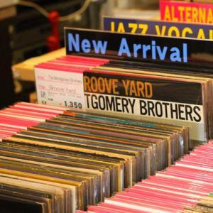 ◆USED新着LPレコードを「新入荷コーナー」に80枚ほど追加いたしましたー!