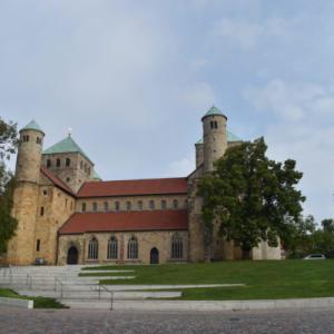 ヒルデスハイムの聖マリア大聖堂と聖ミカエル聖堂 【ドイツ】 行き方と難易度