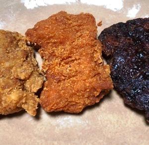 ローソンのLチキ旨塩、旨辛、旨だれ黒味の3種を並べて食べてみた。