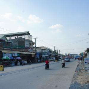 線路整備が進められるカンボジア