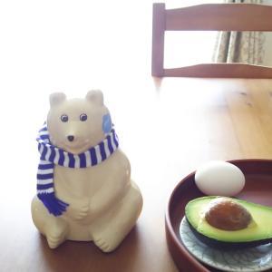 マフラーシロクマ貯金箱◇主婦のお昼ご飯~血糖値の為に卵ご飯…アボカドのせ