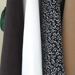 ◇一年中重宝しそう…新色発売しわにならない素材快適スカート