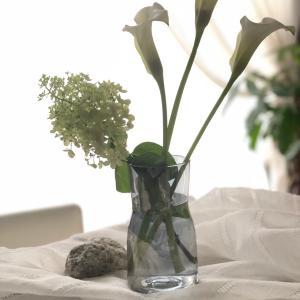 便利!畳めるたらいで水落ちしたお花をシャンとさせる方法