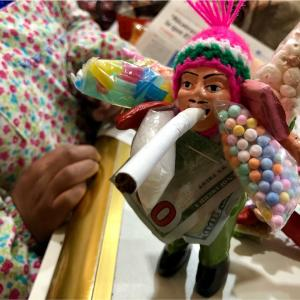 【ボリビア】魔女通りでお買い物!ラッキーアイテム、エケコ人形を見つけ出せ!