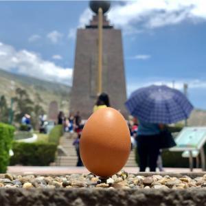 【エクアドル】世界の真ん中でブリッジを!?緯度0度なら、卵だって立つんだぞー!!