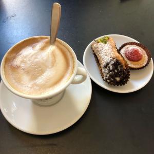 美味しくて安いイタリアのコーヒーを飲みすぎて眠れない夫婦