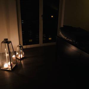 スイスでは間接照明よりキャンドルに火灯す☆彡