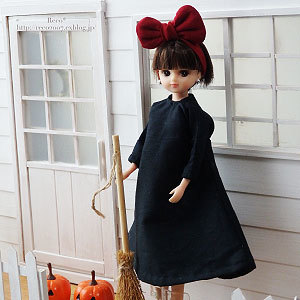 < 22cmドール服:魔女っ子 >