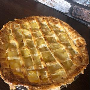 < 熱々のアップルパイは最高 >