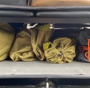 キャンプ準備①   下段に積み込み