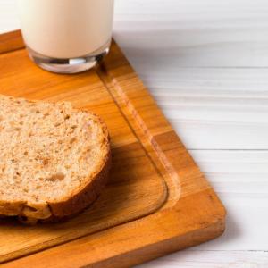 普通の小麦パンをやめたけど、むしろ不調な気がするから一時停止してみます。