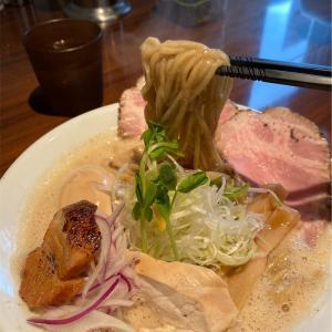 姫路の有名ラーメン店で鶏白湯。