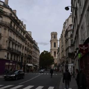 パリ サン シルピス教会 教会の前の骨董市