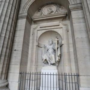 パリ サンシルピス教会 不思議な霊気を感じます