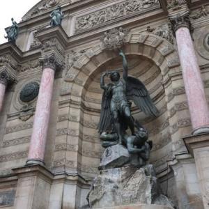 パリ サンミッシエルの噴水