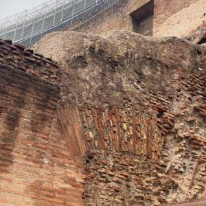 ローマ コロッセオ 2000年たった今も