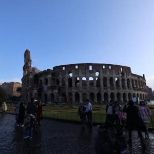 ローマ コロッセオ 古代に思いをはせる