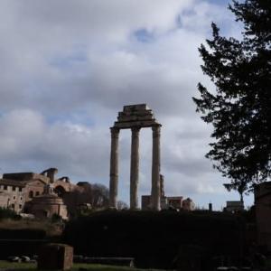 ローマ フォロ ロマーノ カストルとポルックスの神殿
