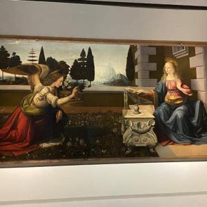 受胎告知 レオナルド ウフィッッイ美術館 フィレンツェ
