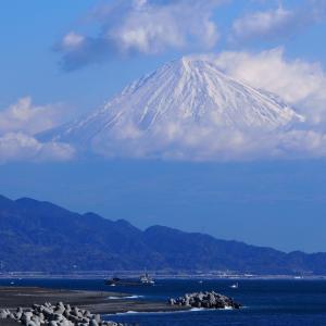 ただ見とれていたい、晴天の日に富士と海 ~三保の松原~