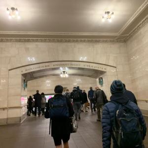 ニューヨーカーはバックパックで通勤する。