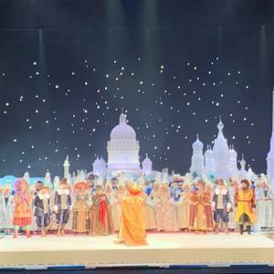 ボリショイ劇場の中がクリスマスムードに!