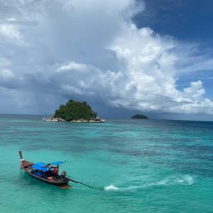 【リペ島旅】自然と戯れる♡野性味溢れる離島のビーチへ