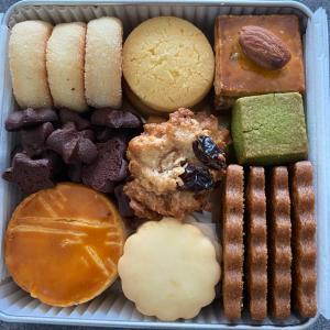 4500円のクッキー缶を食す。【gateau lien】