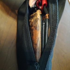 お財布のサイズダウン。必要最低限の小さな財布作り。
