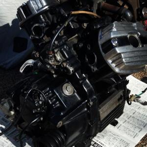 定速走行中にエンジンが息継ぎすることはあるかな?