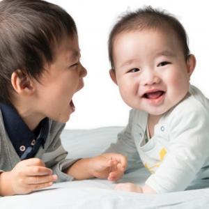 肌のふれあいが不足した子どもに起こること。