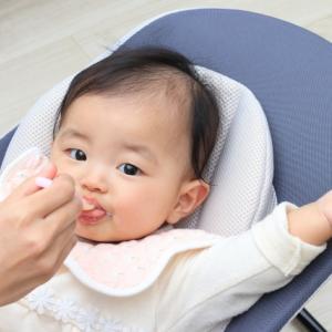 離乳食期のママ必見!スプーンの練習はいつからさせるべき?