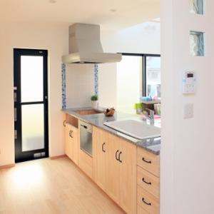 マンションのオプションで食器棚はお得?備え付けと置き型と外部業者を比較!
