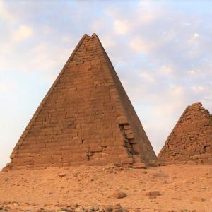 南の果てのピラミッド!ゲベルバルカル